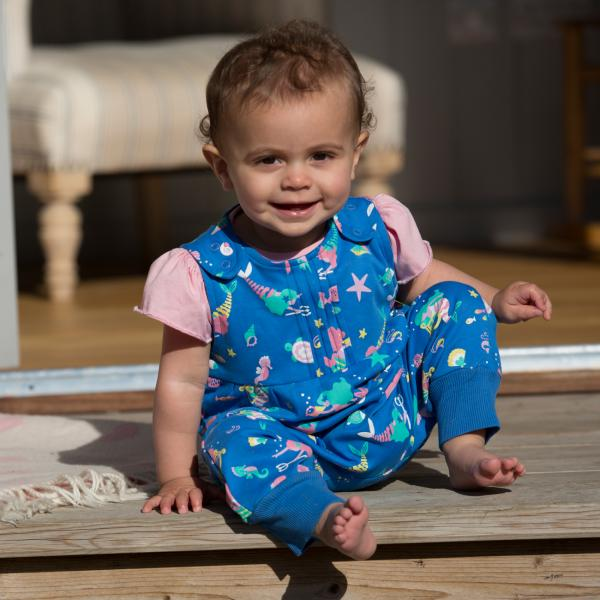The best clothes to fit over cloth nappies